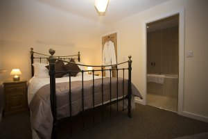 horseshoe-bedroom